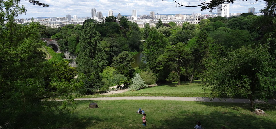 Joggers in the Buttes Chaumont Park