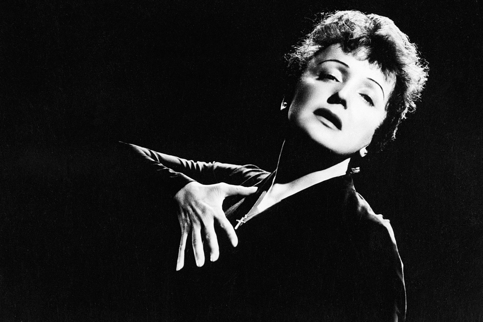 The Life Of French Songstress Edith Piaf