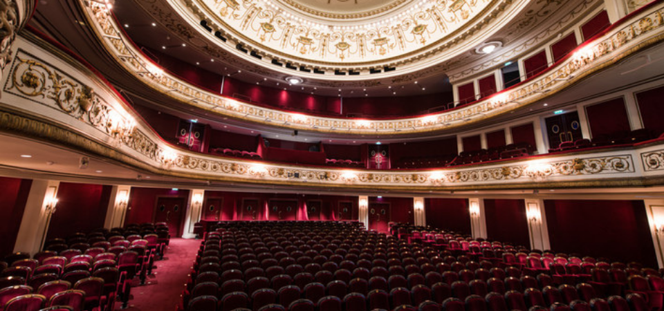 paris theatre marigny first time