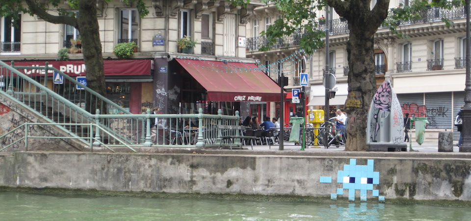 Chez prune, restaurant by the Canal Saint-Martin