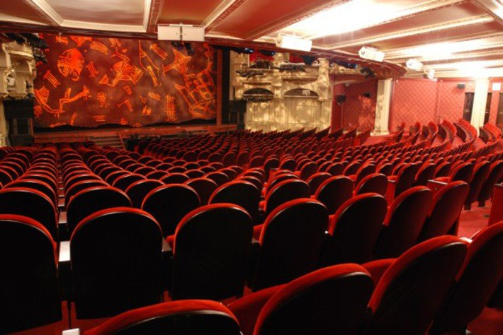 Theatre mogador Paris