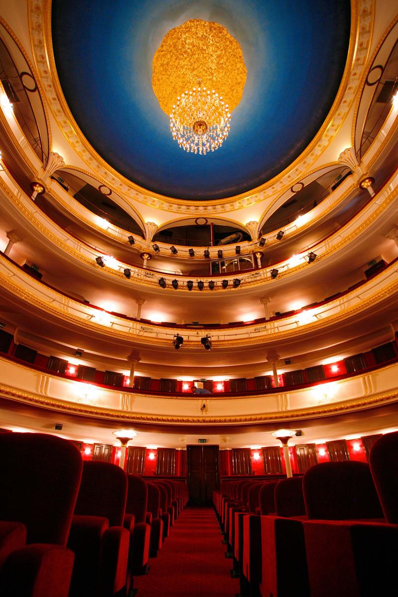 Th tre de la porte saint martin theatre in paris french plays english subtitles - Theatre porte saint martin ...